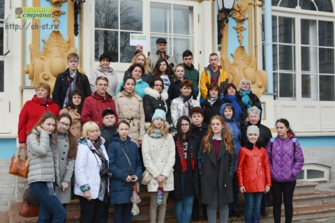 По дворцам Петербурга